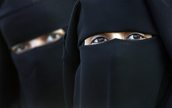 Muslima Niqab 160504
